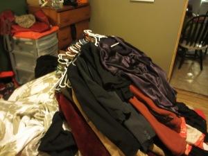 clothes on bed make Elisabeth go CRAZY.